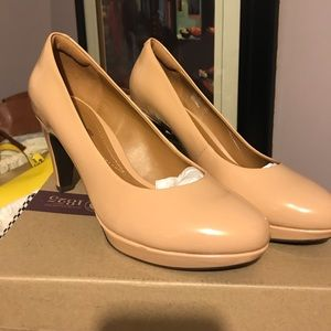 Clarke's Nude patent leather NEW!!